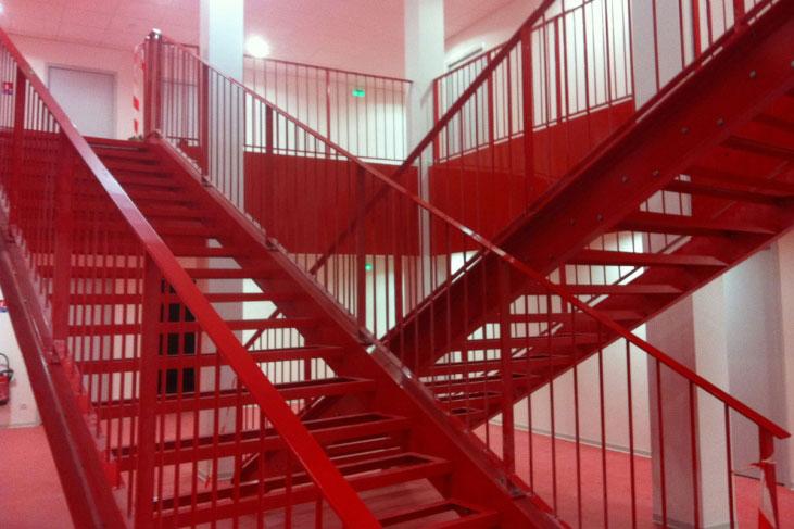 Escaliers d'accès salles de cours, amphi